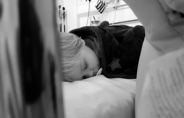 oisin-hospital-bed-_bw_1_small